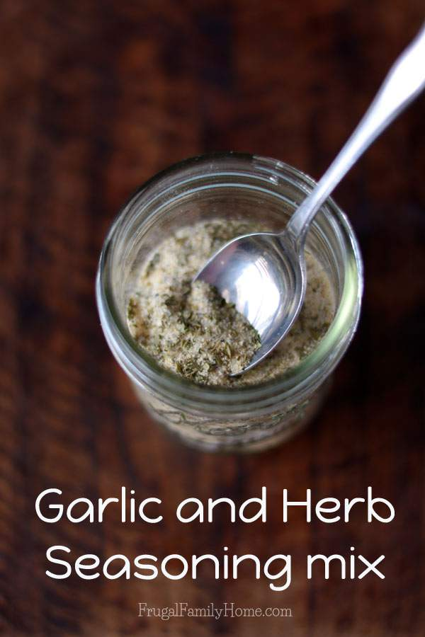 A versatile seasoning mix that's easy to make, garlic herb seasoning mix | Frugal Family Home