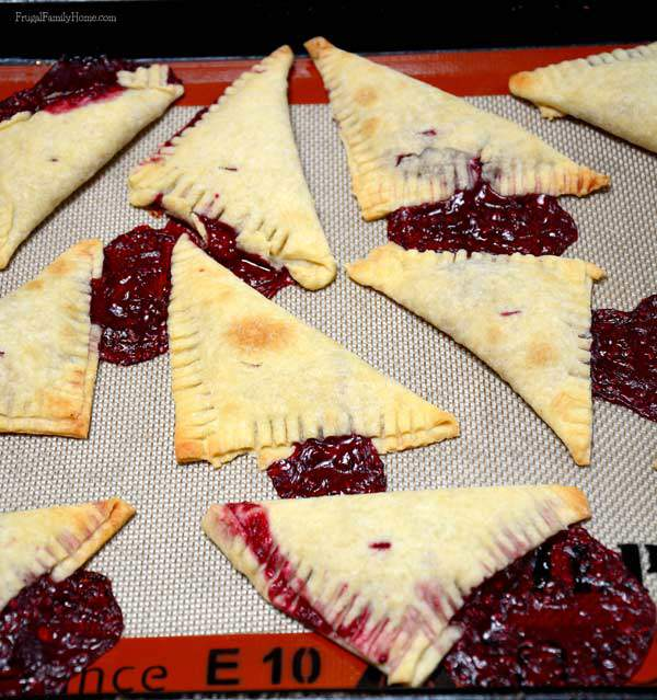 Easy to Make Raspberry Hand Pies | Frugal Family Home