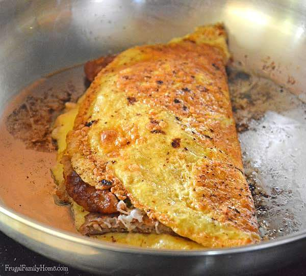 Omelets for dinner an easy and inexpensive meal | Frugal Family Home