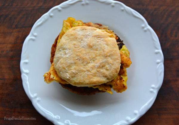 Quick to make breakfast sandwich recipe | Frugal Family Home