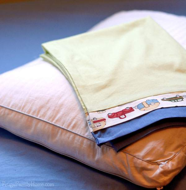 Easy to make pillowcase pattern | Frugal Family Home