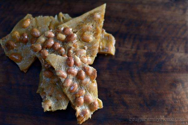 Crispy, sweet and slightly salty too. A great recipe for Peanut Brittle.