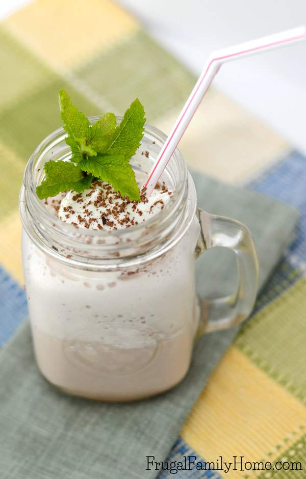This is such an easy frozen hot chocolate recipe. I love that there is a video, less than a minutes to show how to make the frozen hot chocolate. If you are looking for a yummy, refreshing drink for a hot summer day you need to try this DIY frozen hot chocolate that you can make in about 60 seconds.