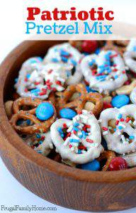 Fast and Easy Patriotic Pretzel Snack Mix