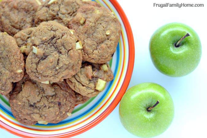 These are yummy apple cookies made with fresh apples. These cookies are easy to make and they turn out soft on the inside and crisp on the edges.