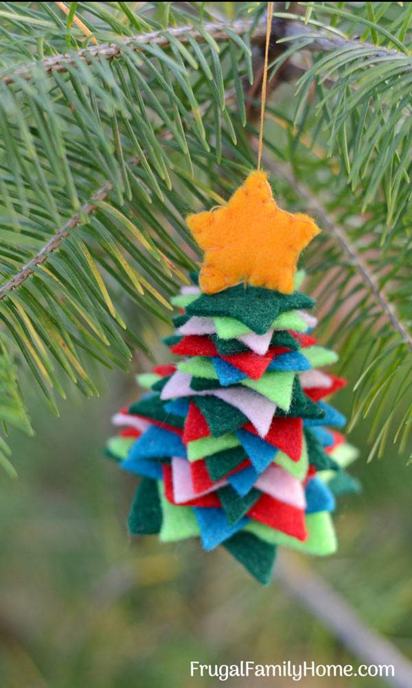 How to Make These Easy Felt Christmas Tree Ornaments ...