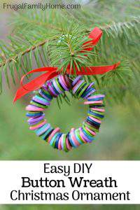 How to Make Ornaments, Easy Button Wreath